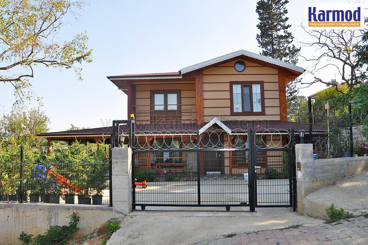 Μεταλλικά Σπίτια